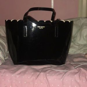 ♠️ Kate Spade Lilly Avenue Patent Carrigan ♠️